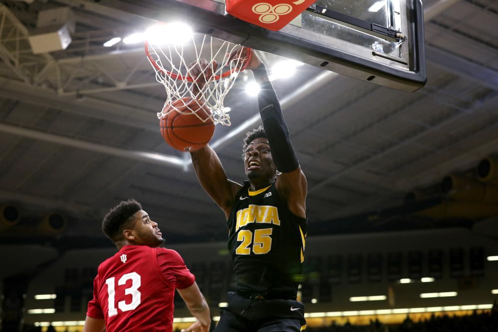 Iowa Hawkeyes forward Tyler Cook (25) dunks the ball against the Indiana Hoosiers Friday, February 22, 2019 at Carver-Hawkeye Arena. (Brian Ray/hawkeyesports.com)