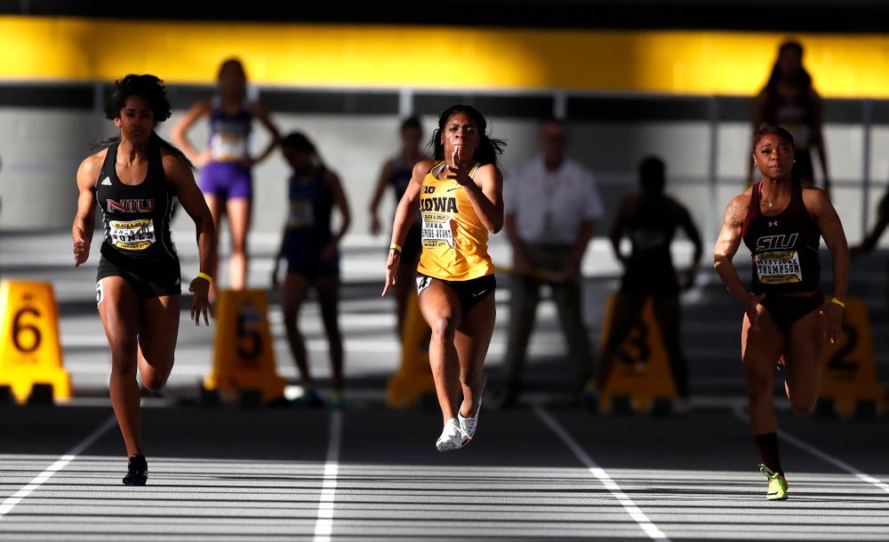 Kyara Simmons-Avant competes in 60 meter dash