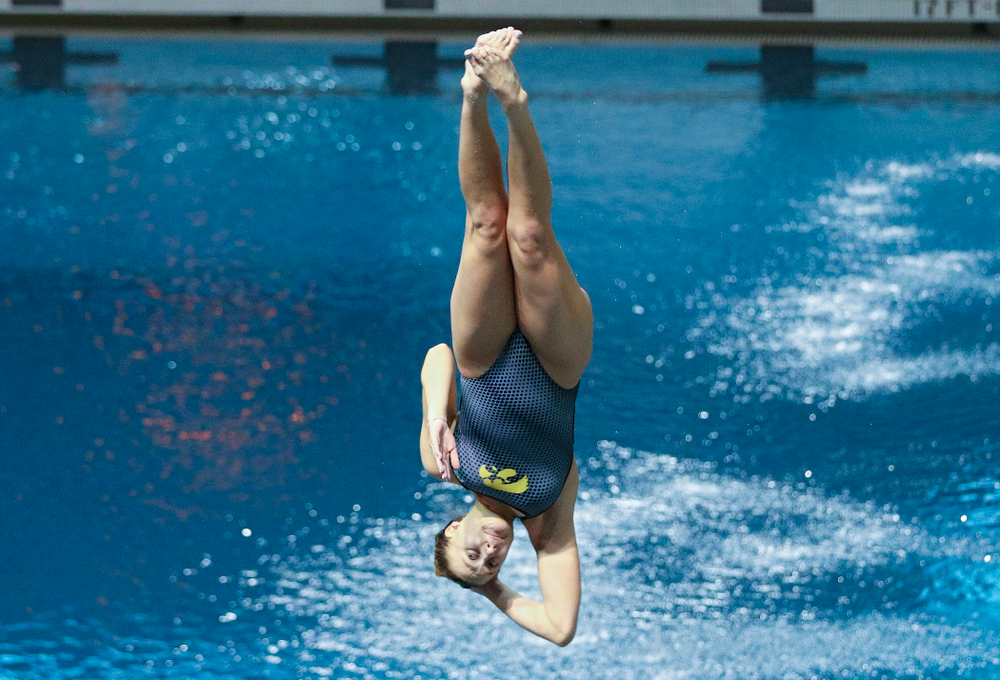 Iowa's Sam Tamborski competes in the 1 meter diving event during their meet at the Campus Recreation and Wellness Center in Iowa City on Friday, February 7, 2020. (Stephen Mally/hawkeyesports.com)