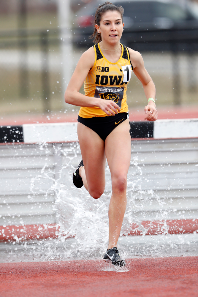 Iowa's Marta Bote Gonzalez runs the 3000 meter steeplechase during the 2018 MUSCO Twilight Invitational  Thursday, April 12, 2018 at the Cretzmeyer Track. (Brian Ray/hawkeyesports.com)