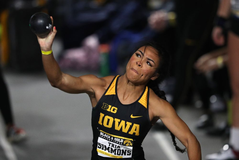 Iowa's Tria Simmons competes in the Shot Put during the Black and Gold Premier meet Saturday, January 26, 2019 at the Recreation Building. (Brian Ray/hawkeyesports.com)