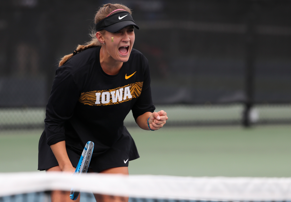Ashleigh Jacobs reacts after winning a point in a singles match during the second day of the ITA Central Regional Championships at the Hawkeye Tennis and Recreation Complex on October 13, 2018. (Tork Mason/hawkeyesports.com)