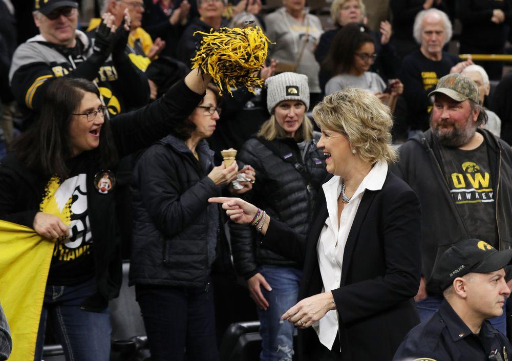 Iowa Hawkeyes head coach Lisa Bluder and Eva Gustafson (10) against the Northwestern Wildcats Sunday, March 3, 2019 at Carver-Hawkeye Arena. (Brian Ray/hawkeyesports.com)