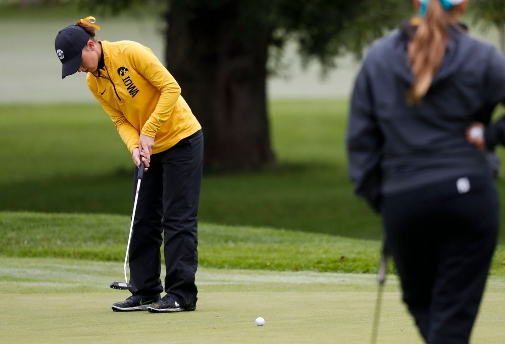 Iowa's Brett Permann putts during the Diane Thomason Invitational at Finkbine Golf Course on September 29, 2018. (Tork Mason/hawkeyesports.com)
