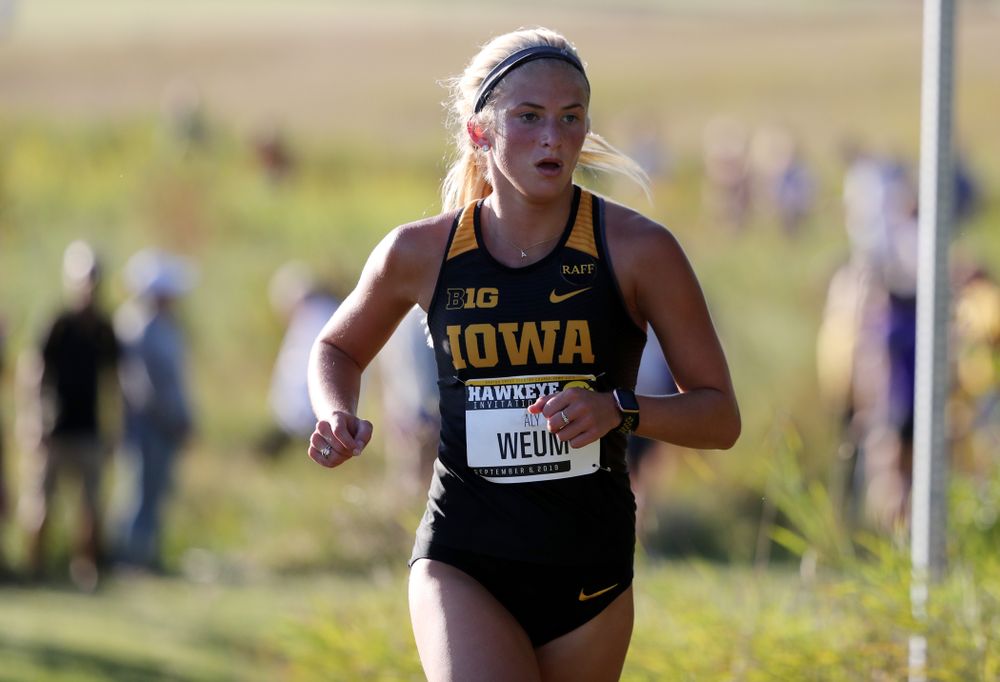 IowaÕs Aly Weum runs in the 2019 Hawkeye Invitational Friday, September 6, 2019 at the Ashton Cross Country Course. (Brian Ray/hawkeyesports.com)