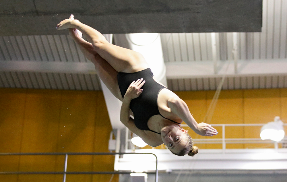 Iowa's Samantha Tamborski competes in the women's 3-meter diving event during their meet against Michigan State and Northern Iowa at the Campus Recreation and Wellness Center in Iowa City on Friday, Oct 4, 2019. (Stephen Mally/hawkeyesports.com)