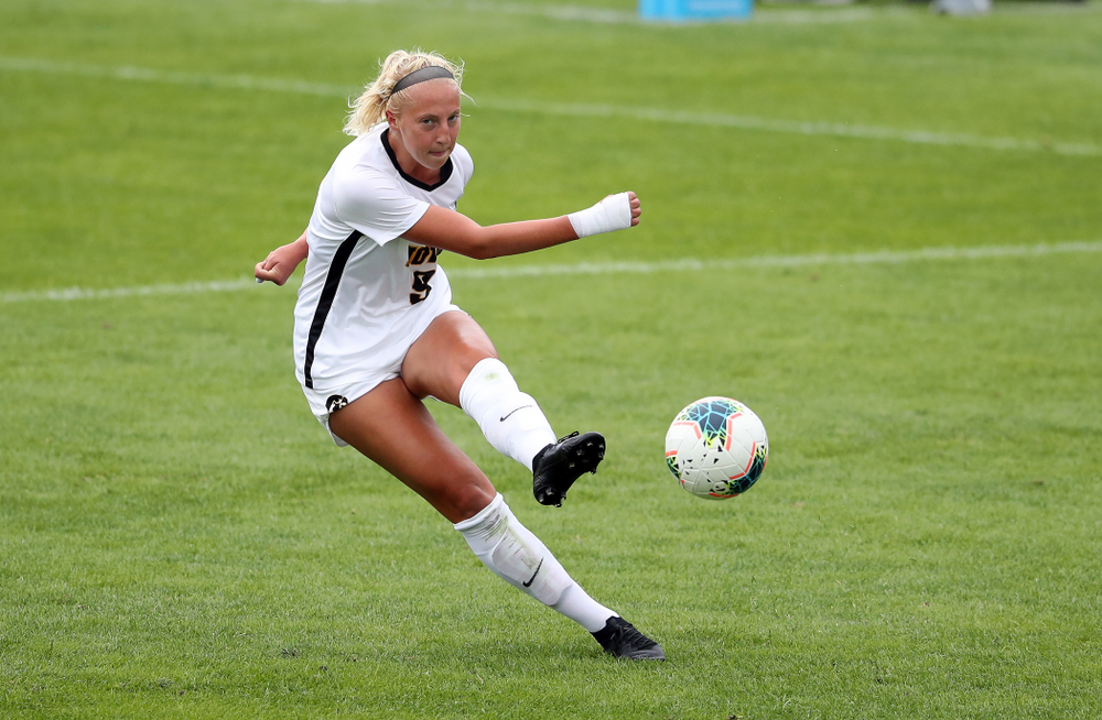 Iowa Hawkeyes defender Samantha Cary (9) during a 6-1 win over Northern Iowa Sunday, August 25, 2019 at the Iowa Soccer Complex. (Brian Ray/hawkeyesports.com)