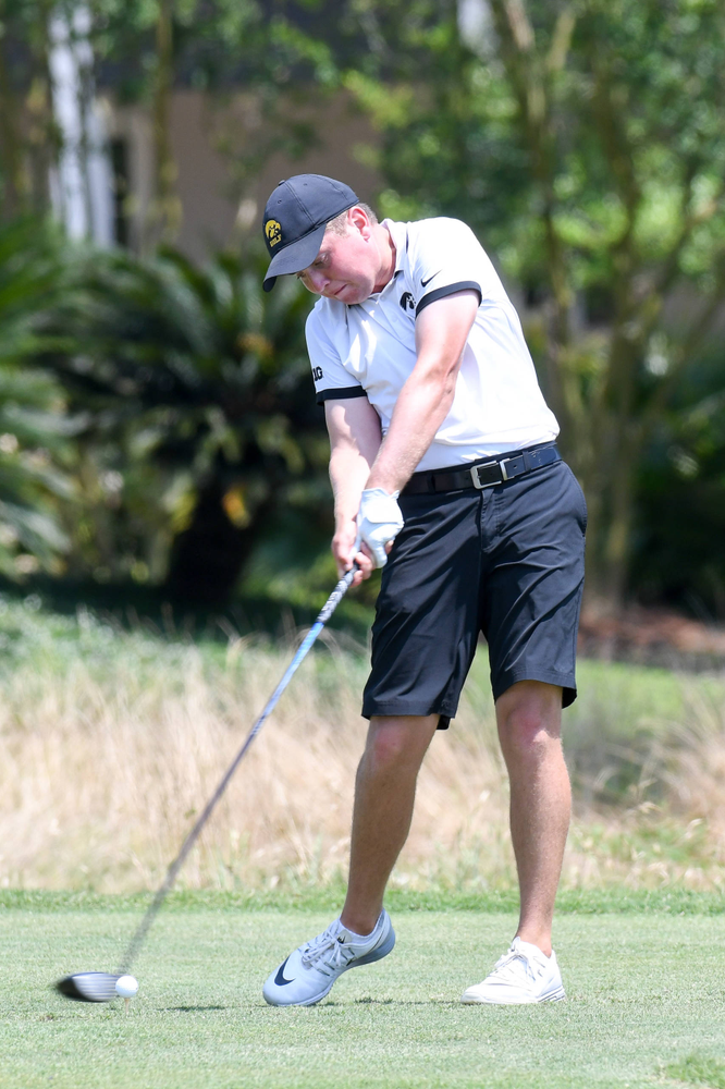 Sophomore Matthew Walker competes in the first round of the NCAA Men's Golf Regional. (Photo:SE Sports Media/Sideline Sports).