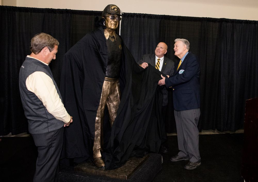 Legendary Hawkeye Football Coach Hayden Fry unveils a statue of his likeness during Fry Fest Friday, September 2, 2016 at the Coralville Marriott Hotel and Conference Center. (Brian Ray/hawkeyesports.com)