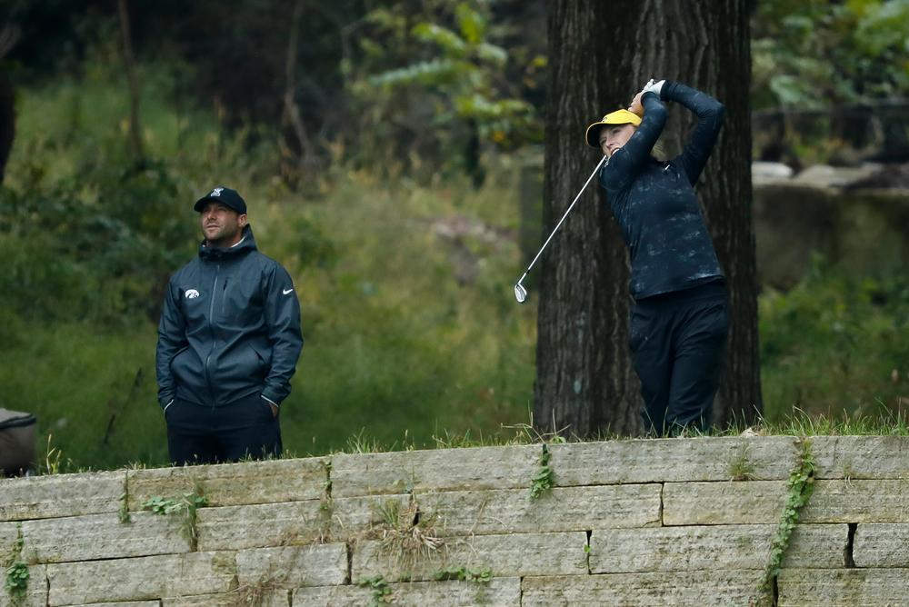 Iowa's Kristin Glesne tees off during the final round of the Diane Thomason Invitational at Finkbine Golf Course on September 30, 2018. (Tork Mason/hawkeyesports.com)