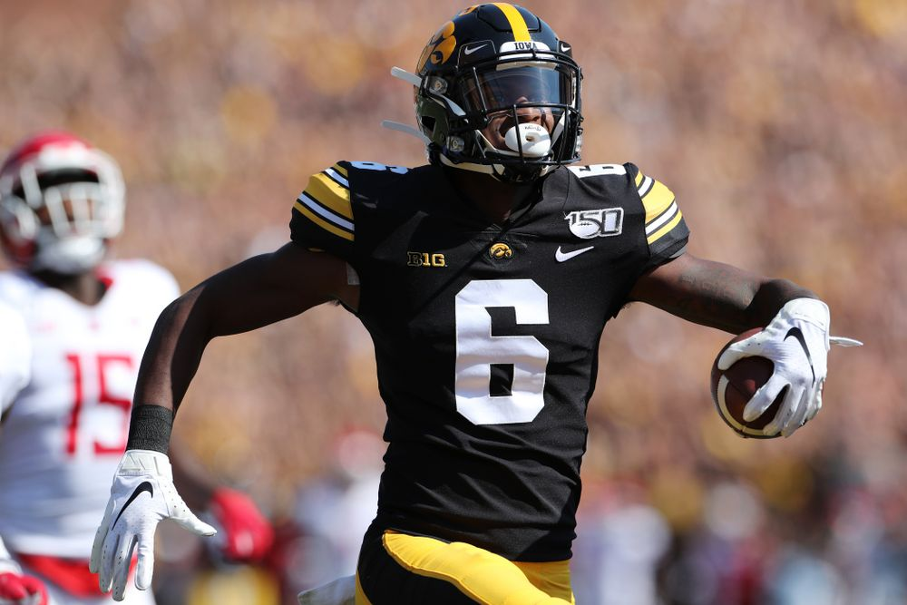 Iowa Hawkeyes wide receiver Ihmir Smith-Marsette (6) scores a touchdown against the Rutgers Scarlet Knights Saturday, September 7, 2019 at Kinnick Stadium. (Brian Ray/hawkeyesports.com)