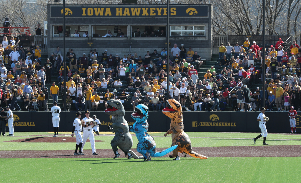 The dinosaur race against the Nebraska Cornhuskers Saturday, April 20, 2019 at Duane Banks Field. (Brian Ray/hawkeyesports.com)