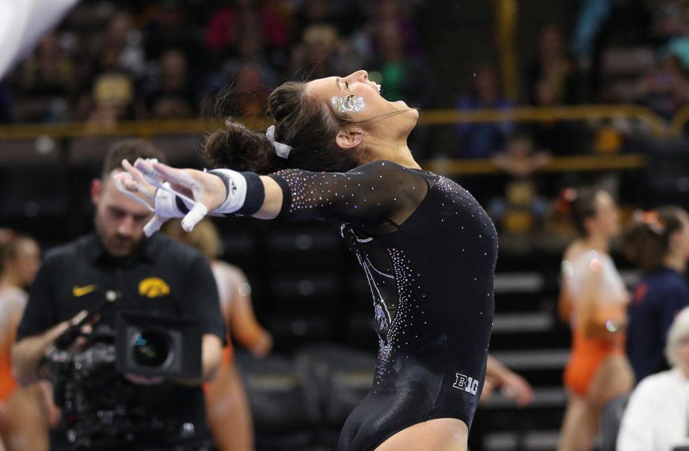 Iowa's Jax Kranitz competes on the bars against Illinois Saturday, February 16, 2019 at Carver-Hawkeye Arena. (Brian Ray/hawkeyesports.com)