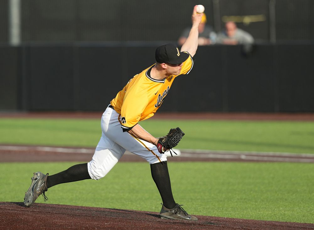 Iowa Hawkeyes pitcher Kyle Shimp (45) delivers to the plate during the sixth inning of their game against Northern Illinois at Duane Banks Field in Iowa City on Tuesday, Apr. 16, 2019. (Stephen Mally/hawkeyesports.com)