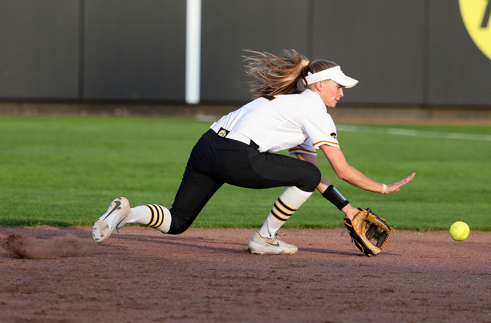 Iowa second baseman Aralee Bogar (2) fields a ground ball during the seventh inning of their game against Ohio State at Pearl Field in Iowa City on Friday, May. 3, 2019. (Stephen Mally/hawkeyesports.com)