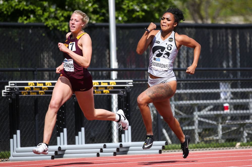 Iowa's Tria Simmons runs during the women's 200-meter dash at the Big Ten Outdoor Track and Field Championships at Francis X. Cretzmeyer Track on Friday, May 10, 2019. (Lily Smith/hawkeyesports.com)