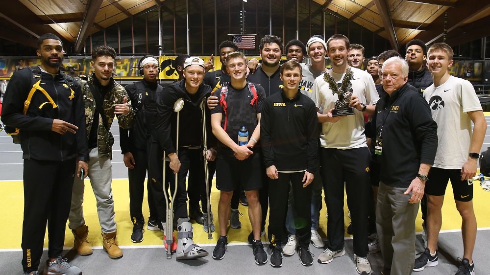 Team Champions  (Darren Miller/hawkeyesports.com)