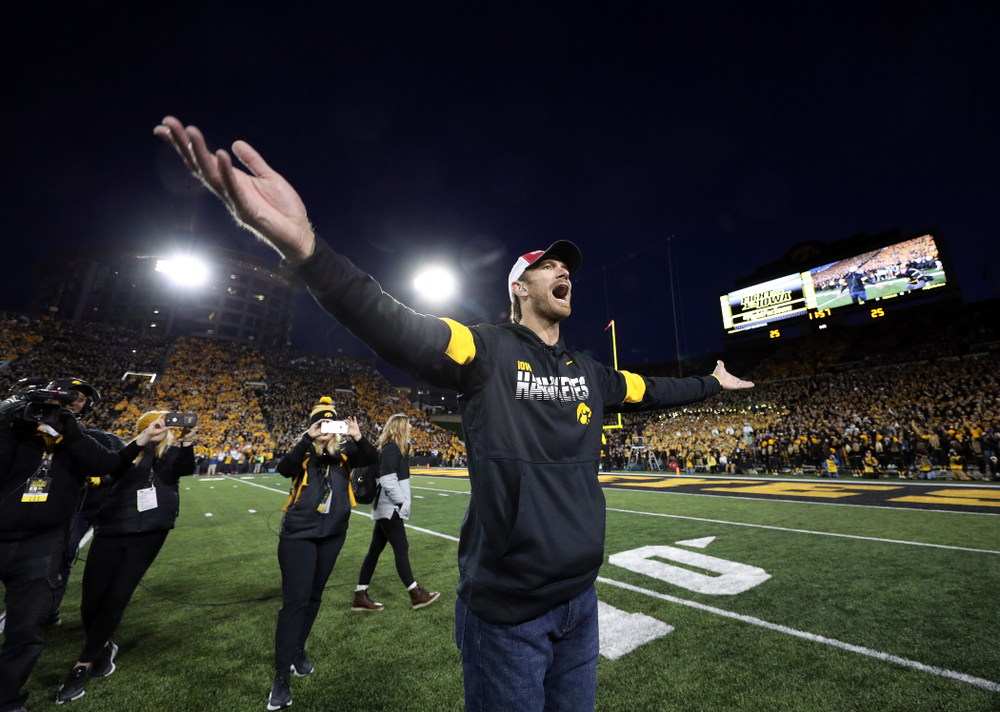 Honorary Captain Ricky Stanzi against the Penn State Nittany Lions Saturday, October 12, 2019 at Kinnick Stadium. (Brian Ray/hawkeyesports.com)