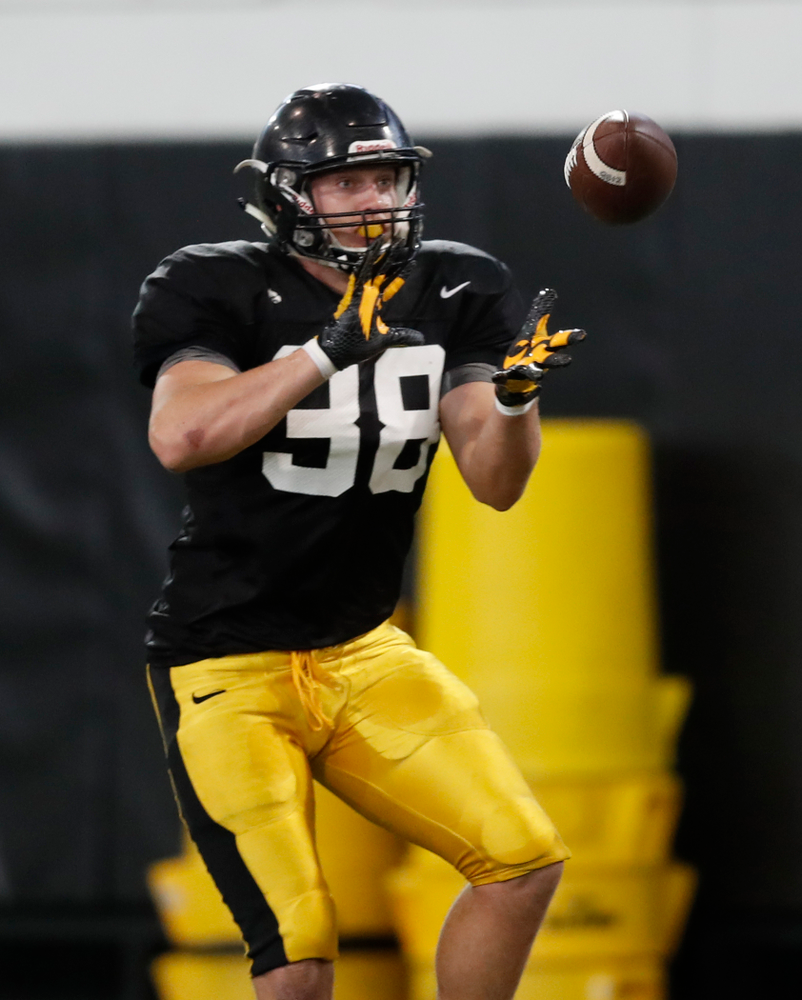 Iowa Hawkeyes tight end T.J. Hockenson (38) during spring practice Thursday, March 29, 2018 at the Hansen Football Performance Center. (Brian Ray/hawkeyesports.com)