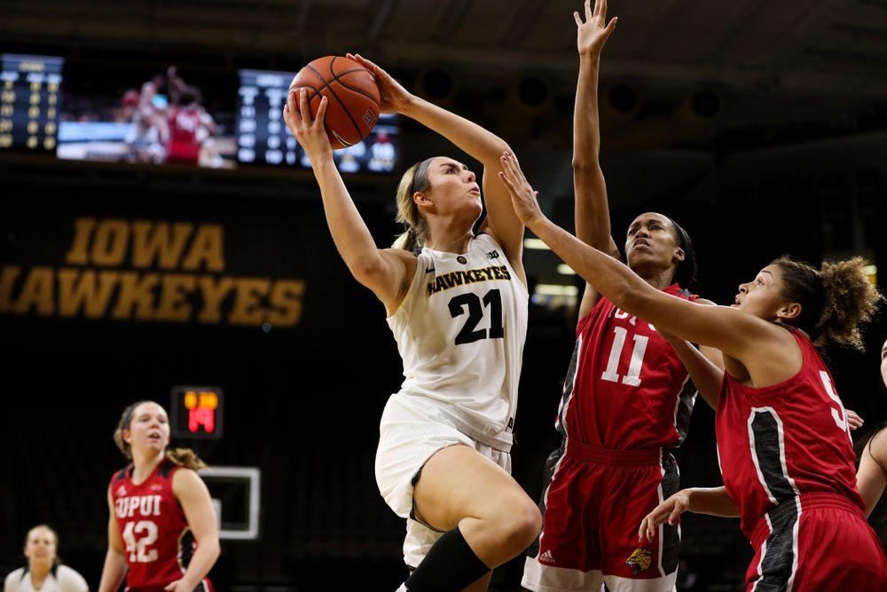 Iowa Hawkeyes forward Hannah Stewart (21) against the IUPUI Jaguars Saturday, December 8, 2018 at Carver-Hawkeye Arena. (Brian Ray/hawkeyesports.com)