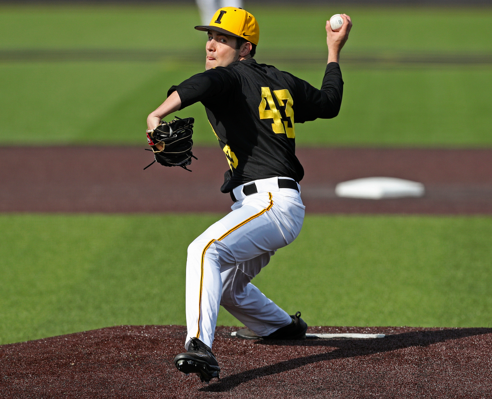Iowa Hawkeyes pitcher Grant Leonard (43) delivers to the plate during the seventh inning of their game against Rutgers at Duane Banks Field in Iowa City on Saturday, Apr. 6, 2019. (Stephen Mally/hawkeyesports.com)