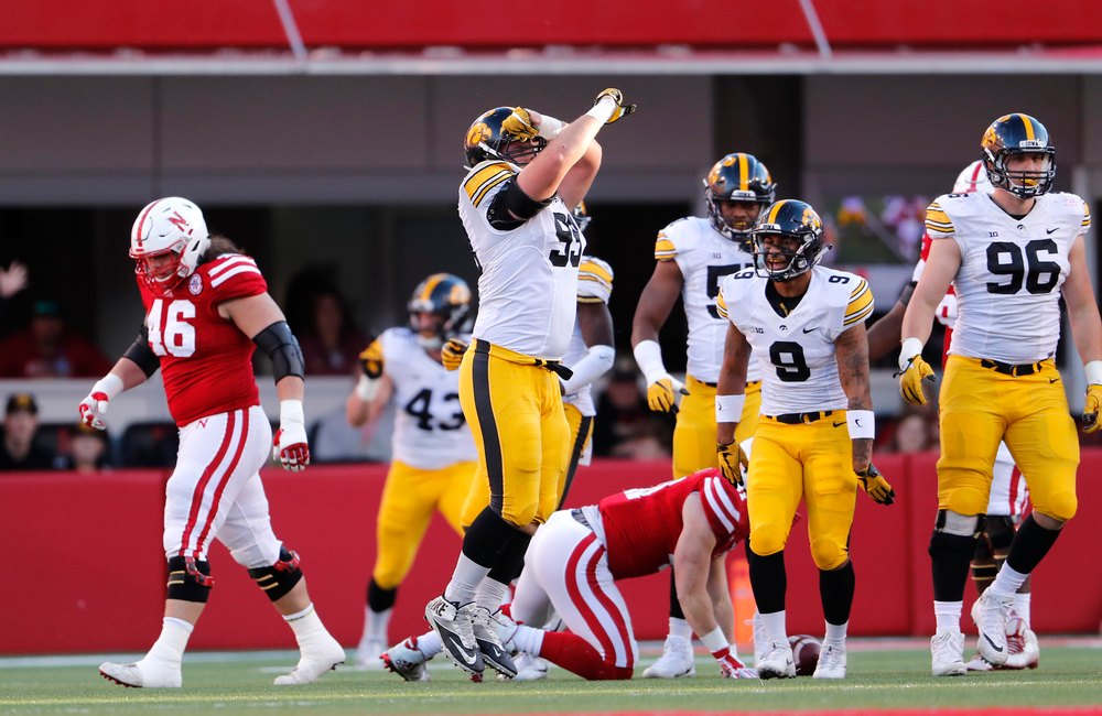 Iowa Hawkeyes defensive lineman Nathan Bazata (99)