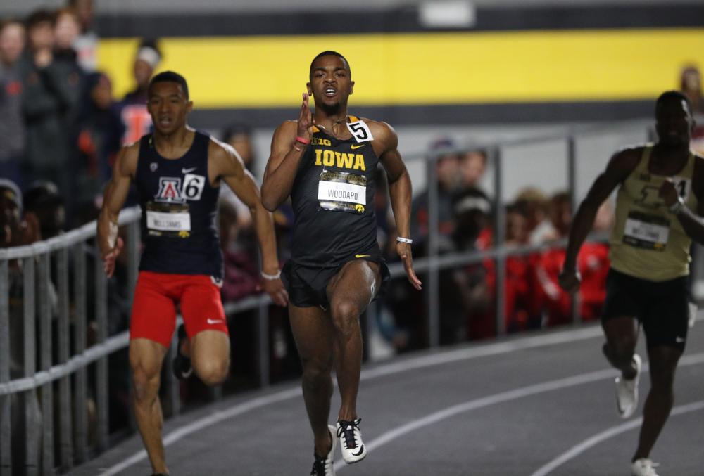 Iowa's Antonio Woodard runs the 200 meter premier during the 2019 Larry Wieczorek Invitational Friday, January 18, 2019 at the Hawkeye Tennis and Recreation Center. (Brian Ray/hawkeyesports.com)