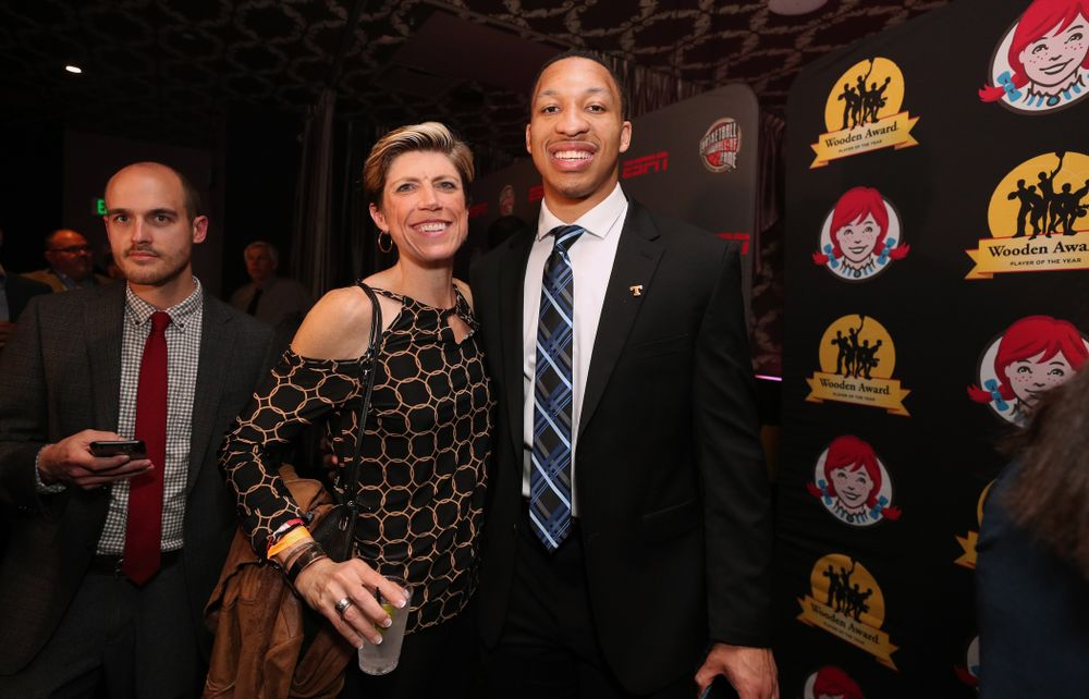 Iowa Hawkeyes associate head coach with TennesseeÕs Grant Williams before the ESPN College Basketball Awards show Friday, April 12, 2019 at The Novo at LA Live.  (Brian Ray/hawkeyesports.com)