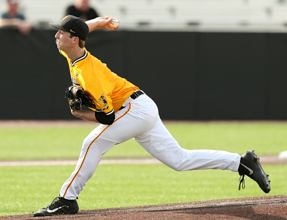 Iowa Hawkeyes pitcher Duncan Davitt (44) delivers to the plate during the second inning of their game against Northern Illinois at Duane Banks Field in Iowa City on Tuesday, Apr. 16, 2019. (Stephen Mally/hawkeyesports.com)