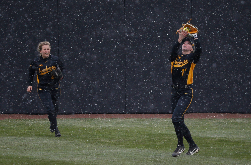 Iowa Hawkeyes outfielder Allie Wood (17)