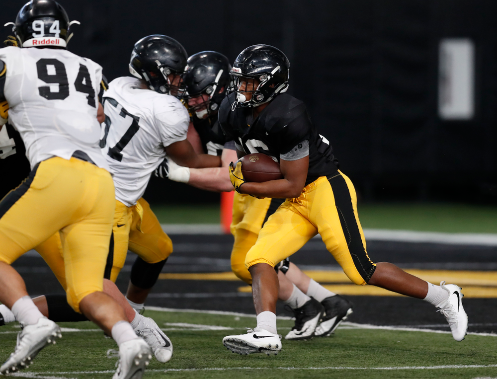 Iowa Hawkeyes running back Kyshaun Bryan (16)