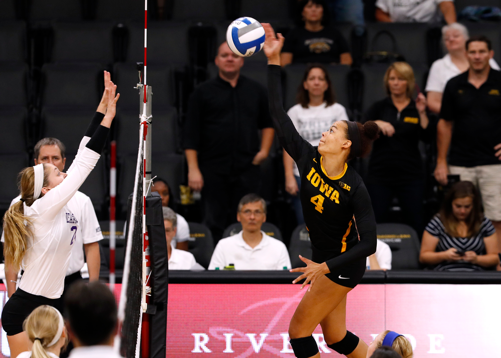 Iowa Hawkeyes outside hitter Ashley Mariani (4)