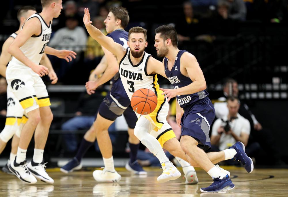 Iowa Hawkeyes guard Jordan Bohannon (3) against North Florida Thursday, November 21, 2019 at Carver-Hawkeye Arena. (Brian Ray/hawkeyesports.com)