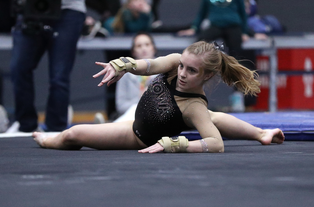Iowa's Lauren Guerin competes on the floor during the Black and Gold intrasquad meet Saturday, December 1, 2018 at the University of Iowa Field House. (Brian Ray/hawkeyesports.com)