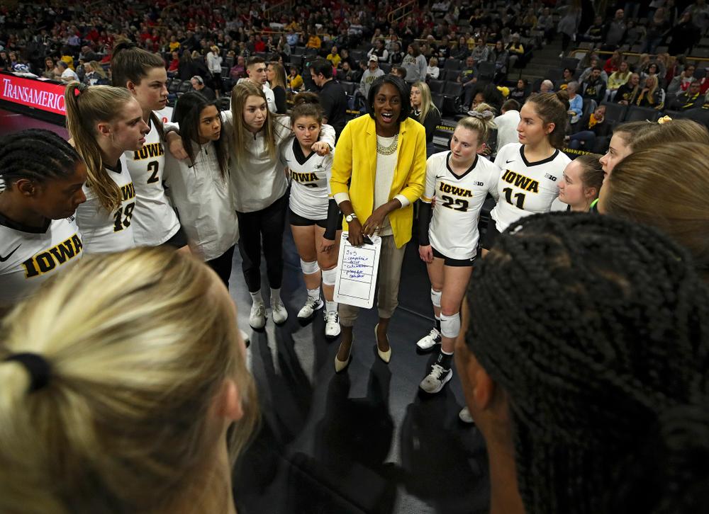 Iowa head coach Vicki Brown talks with her team before their match against Nebraska at Carver-Hawkeye Arena in Iowa City on Saturday, Nov 9, 2019. (Stephen Mally/hawkeyesports.com)