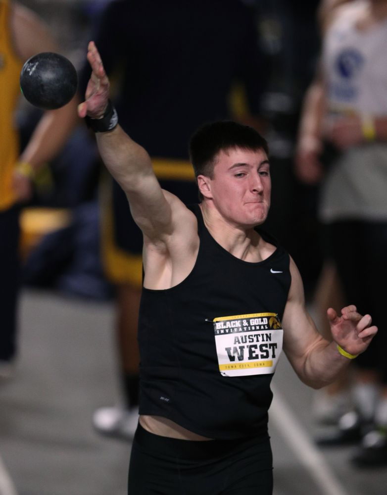 Iowa's Austin West competes in the Shot Put during the Black and Gold Premier meet Saturday, January 26, 2019 at the Recreation Building. (Brian Ray/hawkeyesports.com)