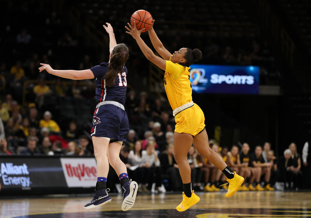 Iowa Hawkeyes guard Alexis Sevillian (5) against the Robert Morris Colonials Sunday, December 2, 2018 at Carver-Hawkeye Arena. (Brian Ray/hawkeyesports.com)