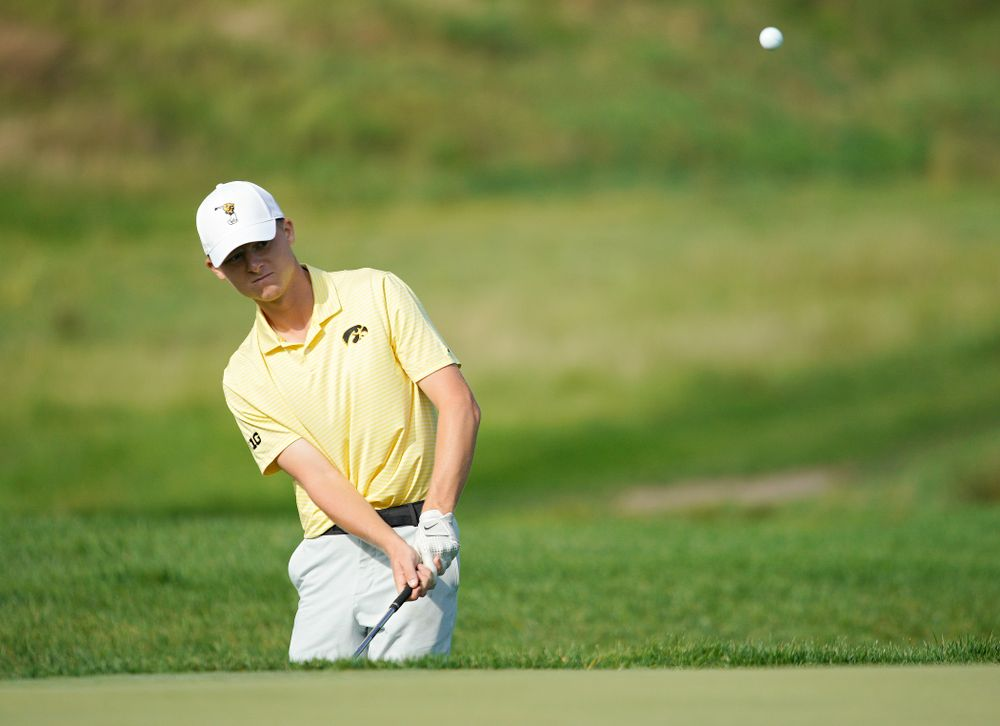 Iowa's Benton Weinberg chips onto the green during the third day of the Golfweek Conference Challenge at the Cedar Rapids Country Club in Cedar Rapids on Tuesday, Sep 17, 2019. (Stephen Mally/hawkeyesports.com)