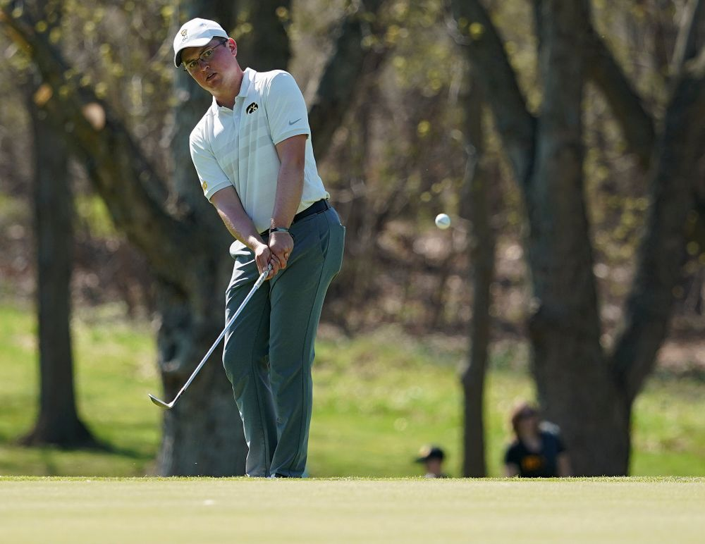Iowa's Matthew Walker chips onto the green during the second round of the Hawkeye Invitational at Finkbine Golf Course in Iowa City on Saturday, Apr. 20, 2019. (Stephen Mally/hawkeyesports.com)