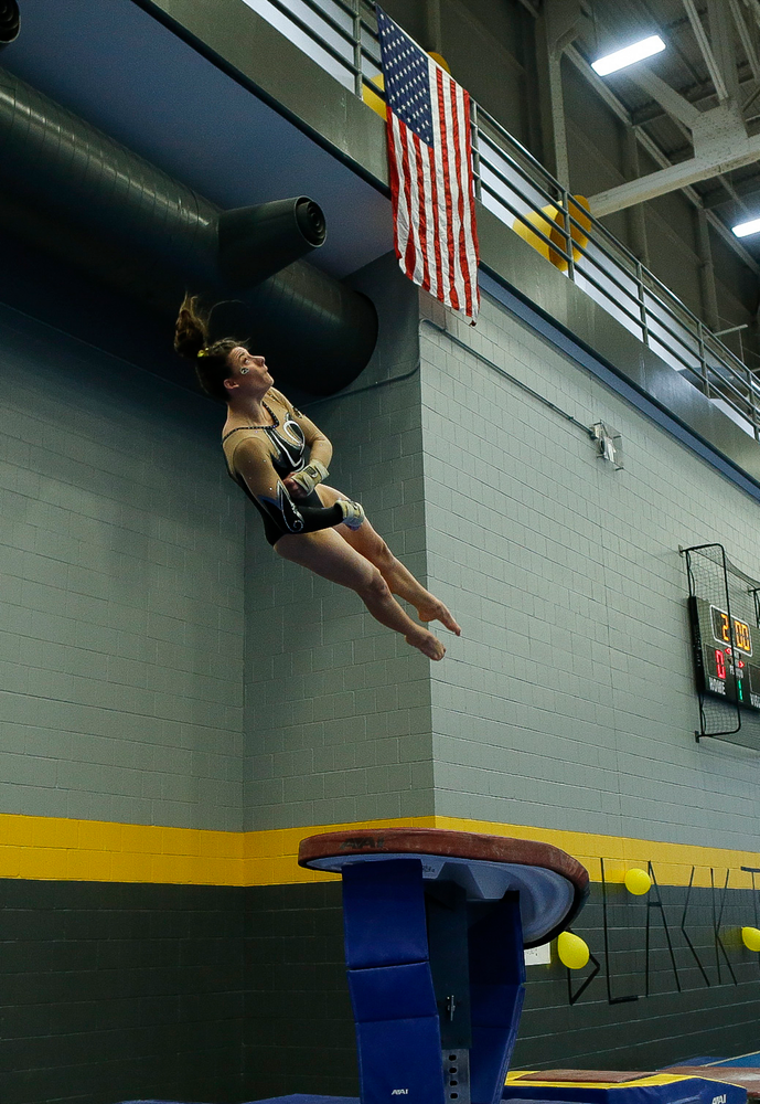 Lanie Snyder competes on the vault during the Black and Gold Intrasquad meet at the Field House on 12/2/17. (Tork Mason/hawkeyesports.com)