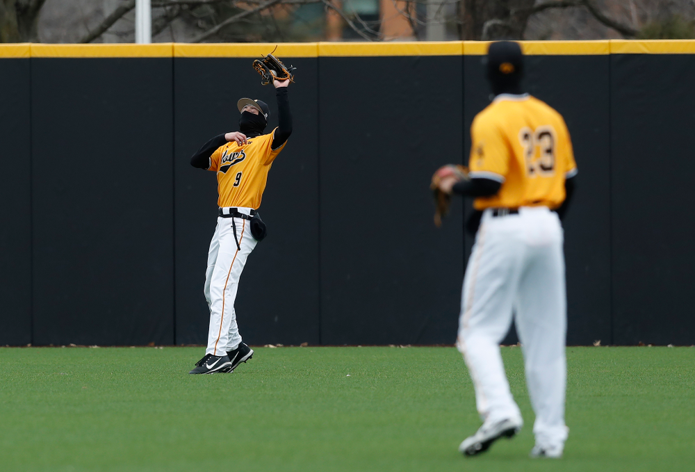 Iowa Hawkeyes outfielder Ben Norman (9) against the Ohio State Buckeyes Sunday, April 8, 2018 at Duane Banks Field.(Brian Ray/hawkeyesports.com)