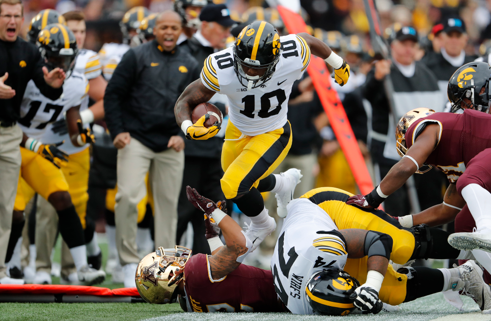 Iowa Hawkeyes running back Mekhi Sargent (10) against the Minnesota Golden Gophers Saturday, October 6, 2018 at TCF Bank Stadium. (Brian Ray/hawkeyesports.com)