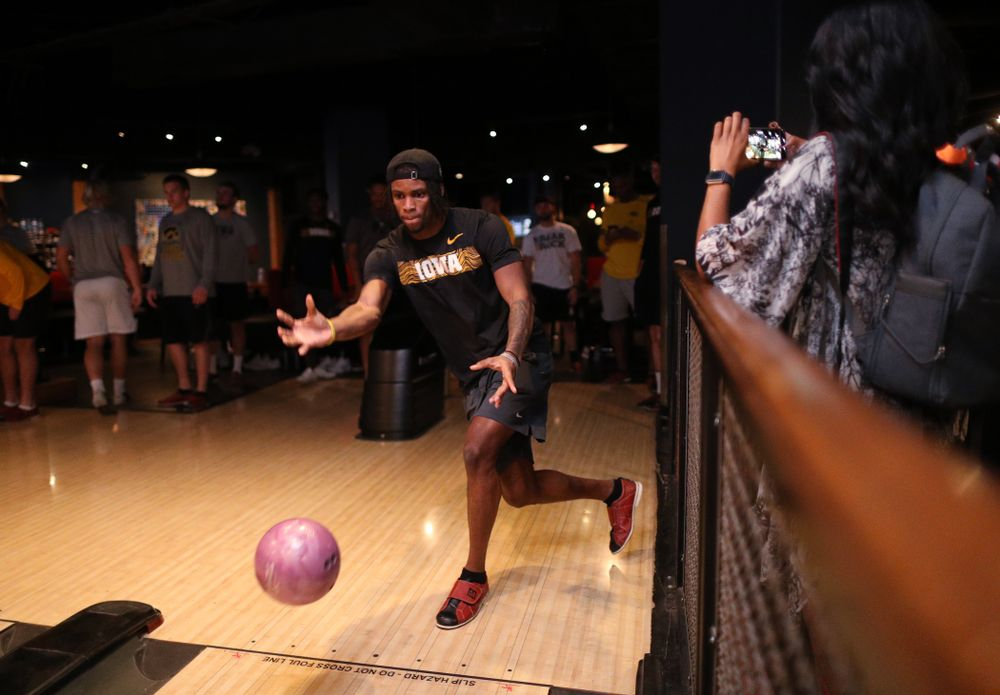Iowa Hawkeyes wide receiver Ihmir Smith-Marsette (6) during the Players' Night at Splitsville Friday, December 28, 2018 in the Sparkman Wharf area of Tampa, FL.(Brian Ray/hawkeyesports.com)