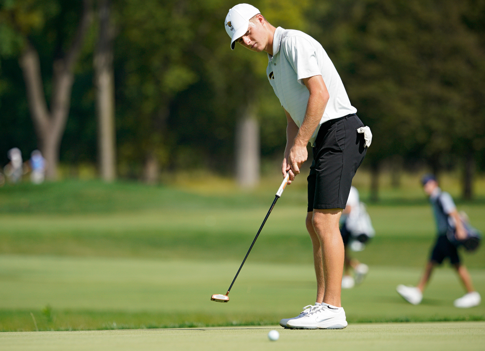 Iowa's Benton Weinberg putts during the second day of the Golfweek Conference Challenge at the Cedar Rapids Country Club in Cedar Rapids on Monday, Sep 16, 2019. (Stephen Mally/hawkeyesports.com)