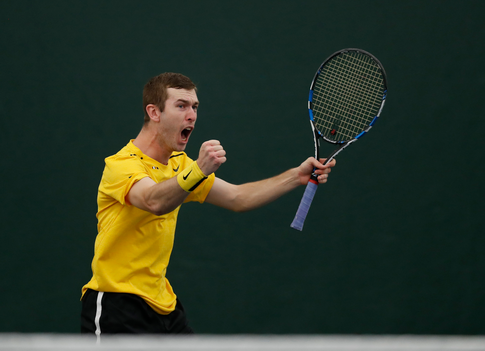 Joe Tyler and Jake Jacoby play a doubles match against the Illinois Fighting Illini Saturday, March 31, 2018 at Hawkeye Tennis and Recreation Center. (Brian Ray/hawkeyesports.com)