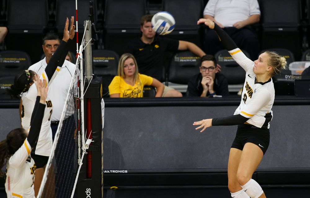 Iowa Hawkeyes right side hitter Reghan Coyle (8)