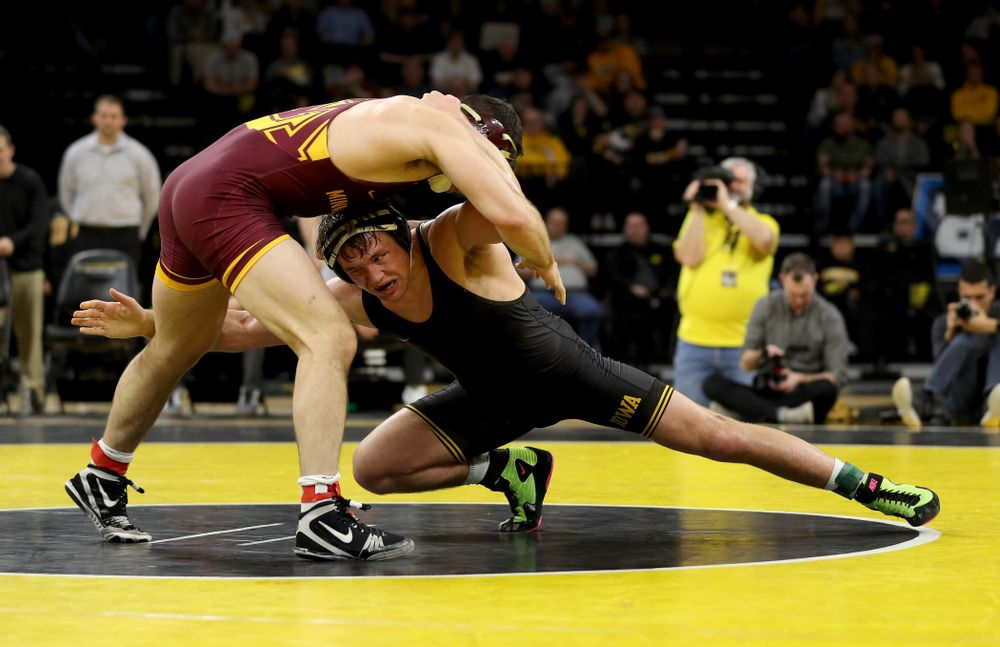 Iowa's Jacob Warner wrestles Minnesota's Hunter Ritter at 197 pounds Saturday, February 15, 2020 at Carver-Hawkeye Arena. Warner won the match 13-4. (Brian Ray/hawkeyesports.com)