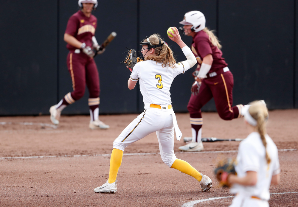 Iowa Hawkeyes starting pitcher/relief pitcher Allison Doocy (3) against the Minnesota Golden Gophers  Thursday, April 12, 2018 at Bob Pearl Field. (Brian Ray/hawkeyesports.com)