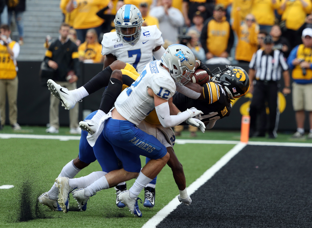 Iowa Hawkeyes wide receiver Brandon Smith (12) scores a touchdown against Middle Tennessee State Saturday, September 28, 2019 at Kinnick Stadium. (Brian Ray/hawkeyesports.com)
