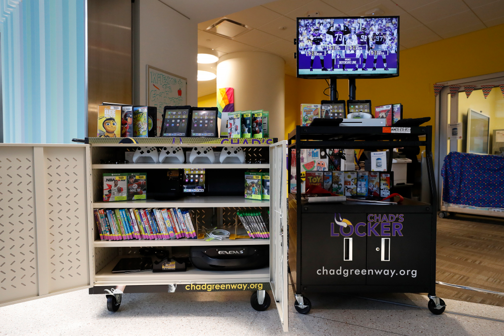 Former Hawkeye Football linebacker Chad Greenway's Lead the Way Foundation unveils their latest Greenway's Locker technology and media cabinet Friday, August 31, 2018 at the University of Iowa Stead Family Children's Hospital. Chad's Locker provides patients and their families access to notebook computers, movies and video game systems to occupy their time during their hospital stay.   (Brian Ray/hawkeyesports.com)